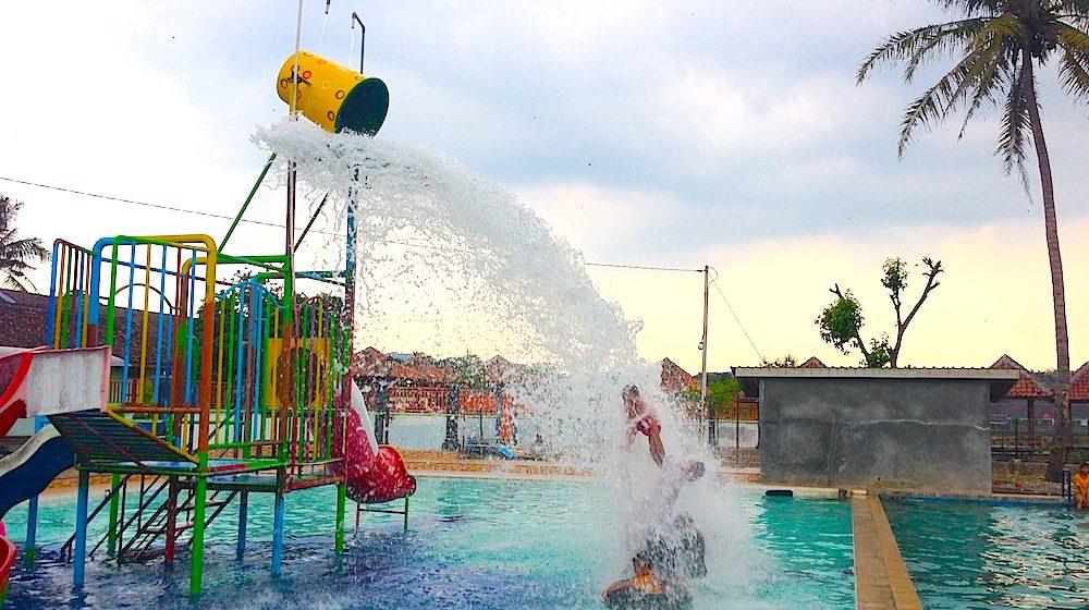 Loncat di WaterByur Ponjong