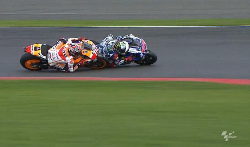 Marc Marquez vs Jorge Lorenzo di Silverstone MotoGP 2014