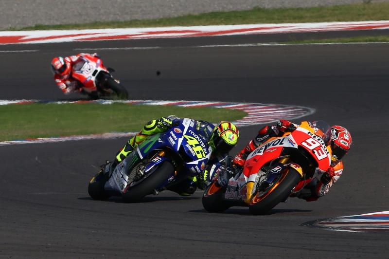 Duel Marc Marquez vs Valentino Rossi Argentina MotoGP