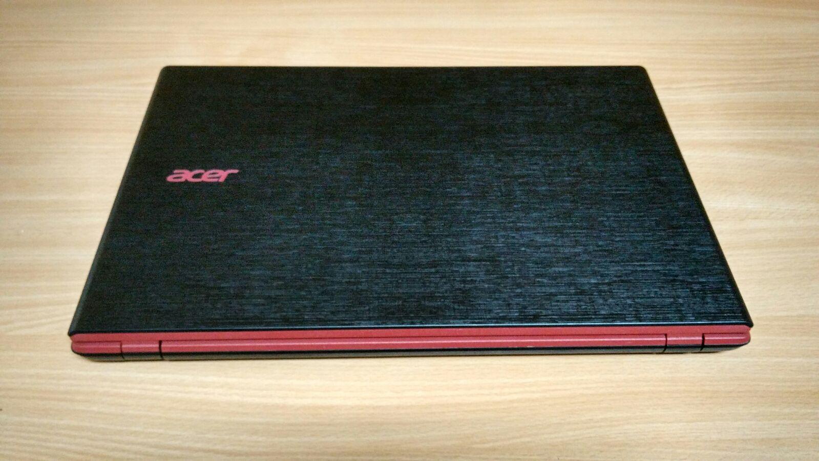 Desain Exterior yang wah dari Acer Aspire E5-552G (FX) memang membuat Gaming Laptop menjadi sangat Premium