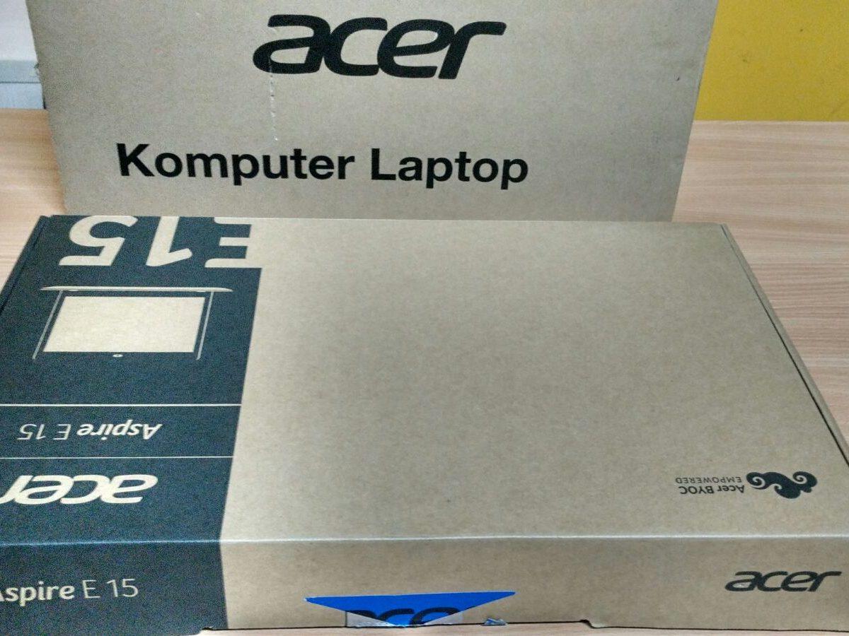 Seperti Laptop kebanyakan inilah Packaging Acer Aspire E5-552G (FX)