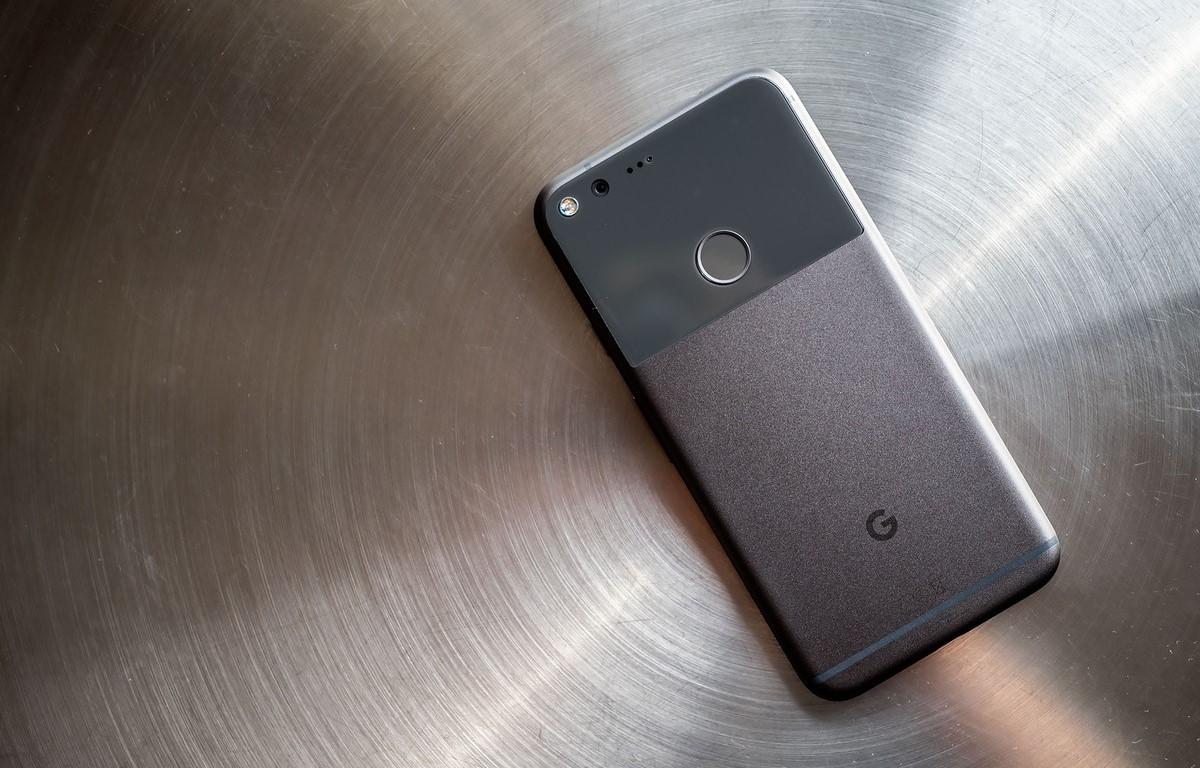 Desain Belakang Google Pixel XL