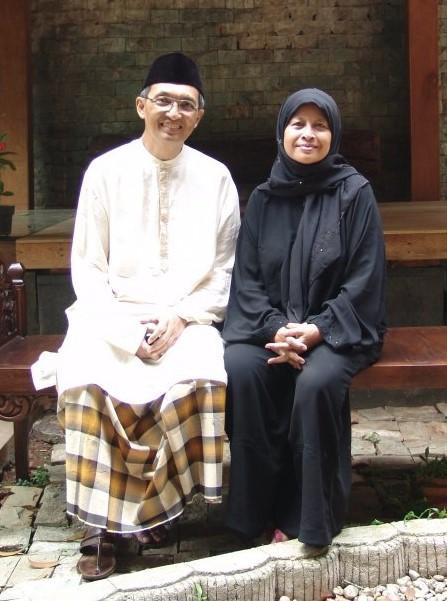 Houtman Zainal Arifin dan Istri Sri Rejeki